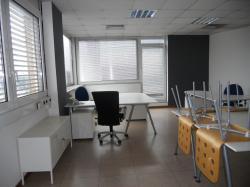 Appartamenti treviso appartamento treviso for Arredare appartamento seminterrato